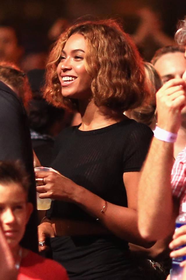 Beyonce cabello corto