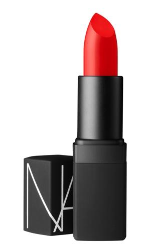 Este tono es ideal para los atardeceres cálidos, su tinte anaranjado queda perfecto con una piel bronceada.