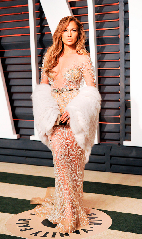 Jennifer Lopez, fiel a su escote profundísimo, en Zuhair Murad Couture.