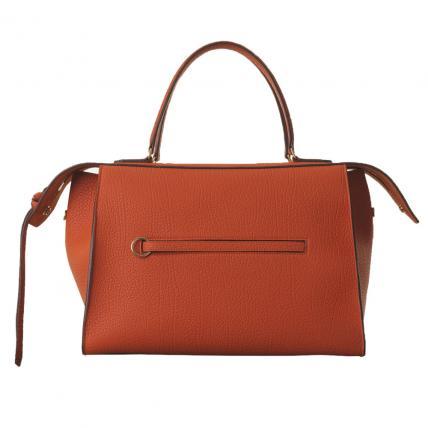 Los bolsos son otor must have en materia de accesorios. Este de Céline en cuero marrón es un clásico ideal que te durará para toda la vida.