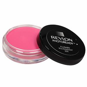 En un fucsia, este rubor de Revlon PhotoReady se difumina fácilmente y tiene partículas que aportan luminosidad al rostro.