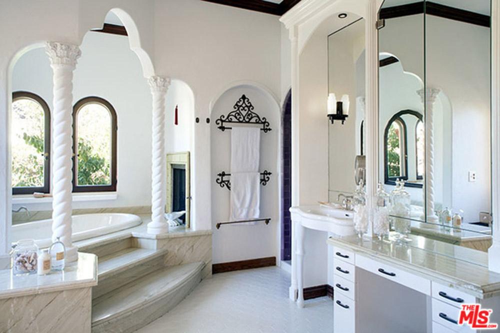 Sia-House-bathroom