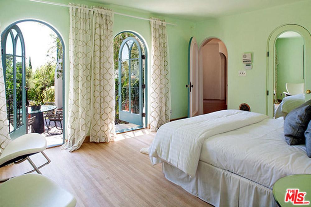 Sia-House-bedroom