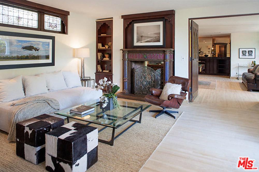 Sia-House-living-room-2