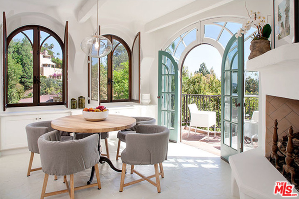 Sia-House-table