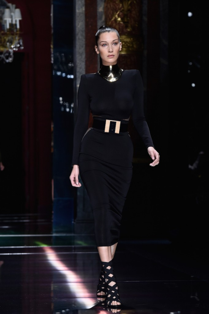 PARIS, FRANCE - OCTOBER 01: Bella Hadid walks the runway during the Balmain show as part of the Paris Fashion Week Womenswear Spring/Summer 2016 on October 1, 2015 in Paris, France. (Photo by Pascal Le Segretain/Getty Images)