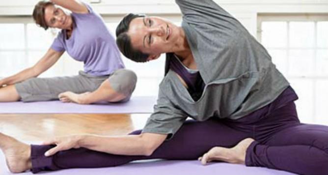 Poses de yoga que aceleran el metabolismo - Brusher Magazine