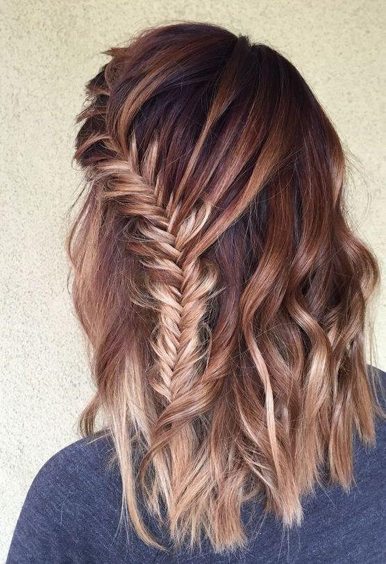Si hace mucho que te haces mechas con papel, el cabello queda completamente teñido, algo que con el balayage no pasa. Se puede elegir dónde, cómo y cuánto