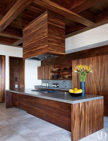 CLOONEY. La cocina de Henrybuilt está hecha en madera de parota.
