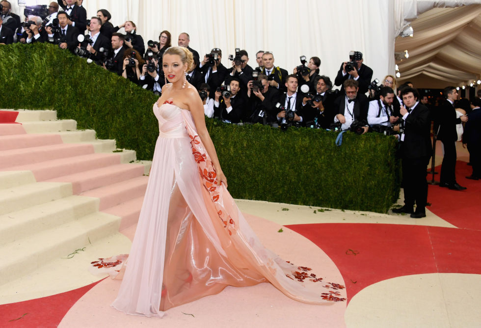 Blake Lively en Burberry